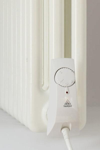 Heatpol HGT1500 W szabályozható (10-75°C) termosztát fűtőpatron tagosított radiátorokhoz fehér